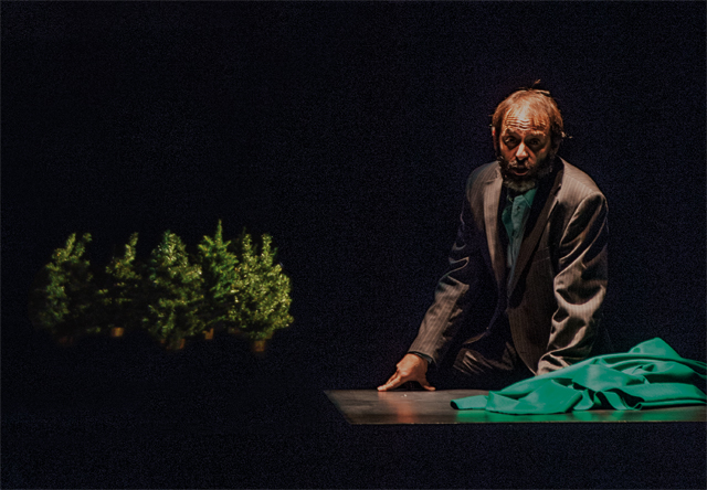 The player, music by Cristian Carrara and text by Marco Martinelli, Ravenna, Teatro delle Albe, from January 30, to February, 15, 2015.